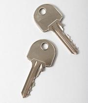 2本のギザギザした形の鍵